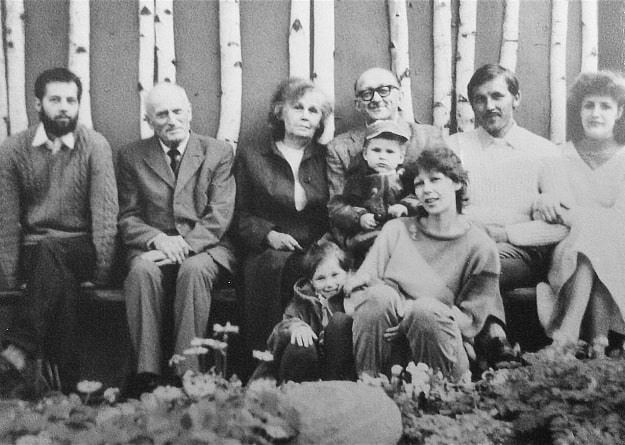 Agne-Paliokaite-family-picture